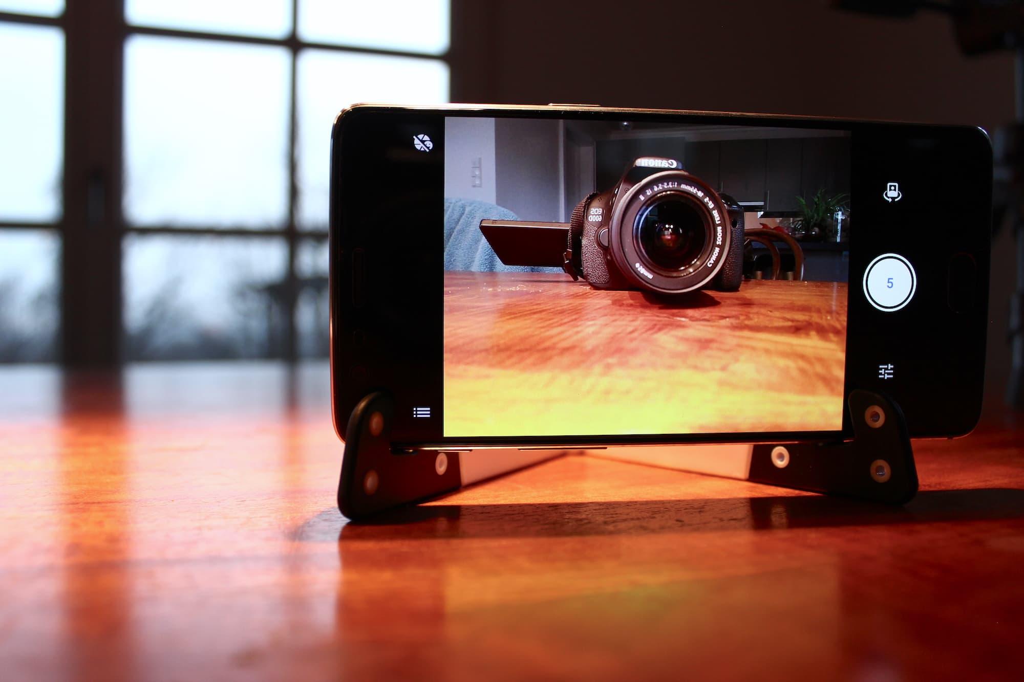 Die Frontkamera des OnePlus 3T löst mit 16MP auf.