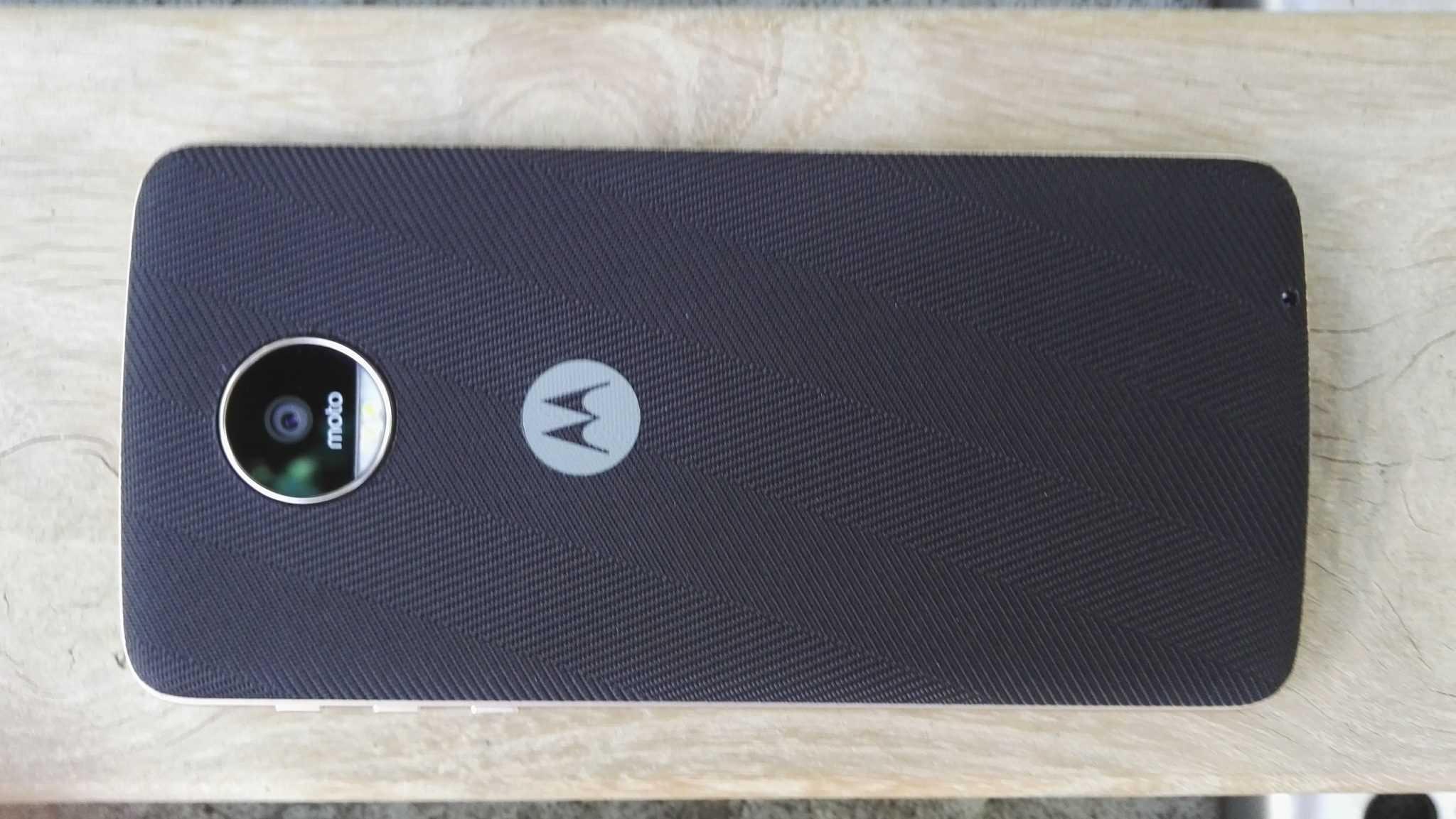 Rückseite mit schwarzem Style Shell